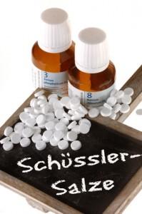 Schüssler Salze können die Linderung der Symptome bei Gicht unterstützen. gefunden auf: https://www.was-ist-gicht.de/